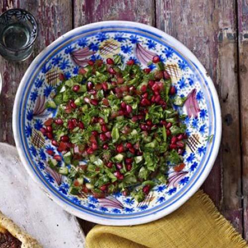 سالاد انار و سبزی خردشده