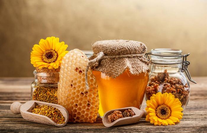 خواص عسل-۲۰ کاربرد بینظیر عسل در درمانهای خانگی-فروشگاه آجیل و خشکبار هفت مغز-7maghz-وبلاگ هفت مغز