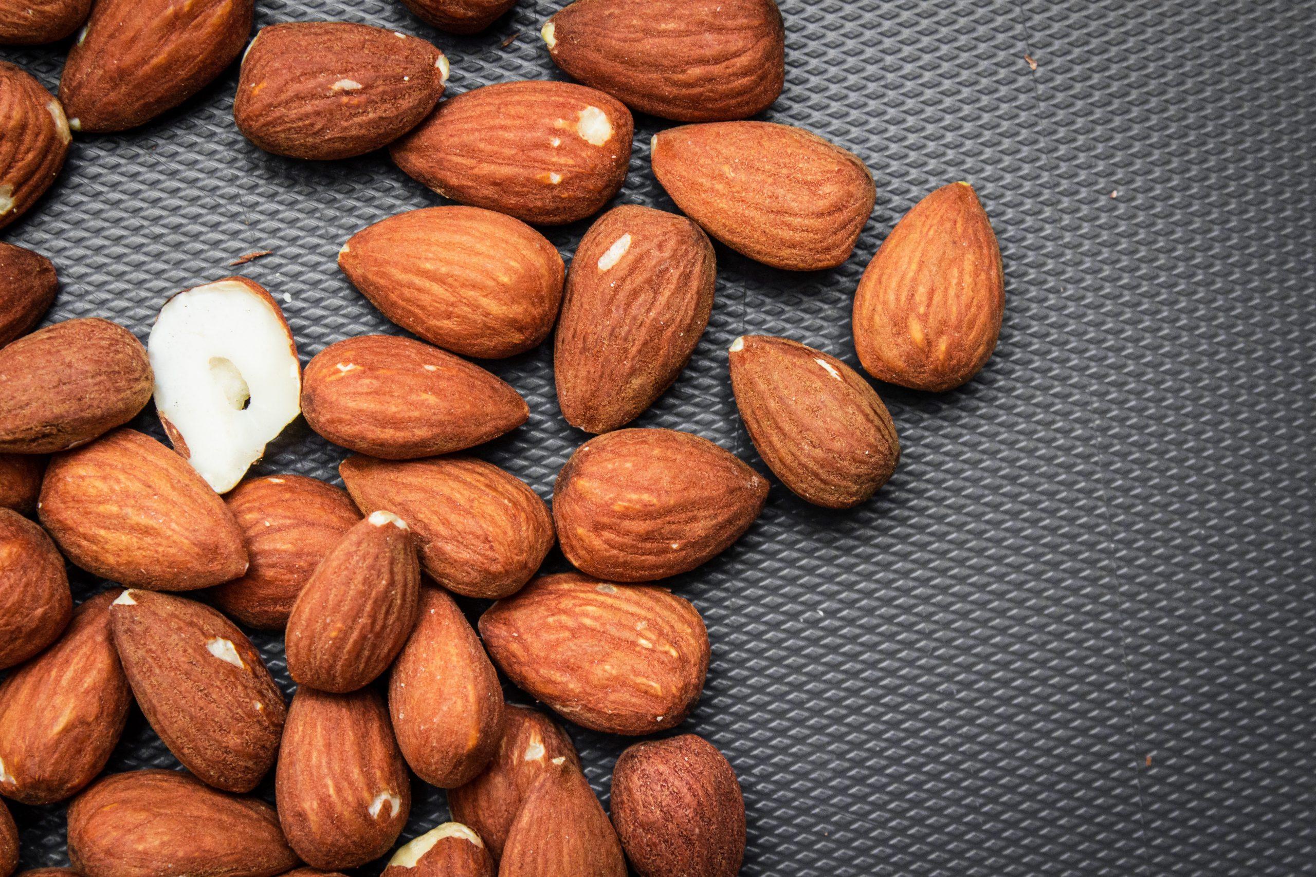 بادام درختی و فشار خون